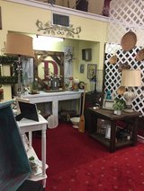 Lots of nice home decor / furniture in Fort Polk, Louisiana