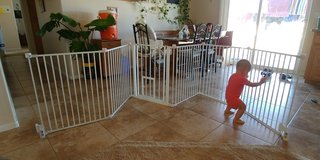 Carlson 2 in 1 pet gate in Yucca Valley, California