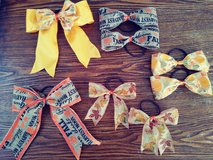 Thanks giving bows in Yucca Valley, California