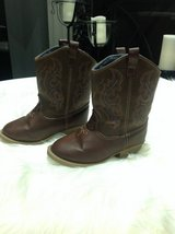 Unisex Toddlers Brown boots sz 8 in Clarksville, Tennessee