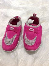 Pink water shoes sz 7 in Clarksville, Tennessee