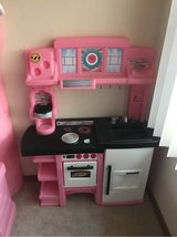 step 2 pink kitchen - no accessories in Alamogordo, New Mexico