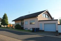 Freestanding House (3 apartments) - 5 min. from base in Spangdahlem, Germany