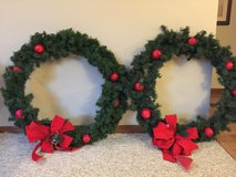 "Outdoor 30"" Christmas Wreaths - set of 2 in Aurora, Illinois"