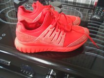 red trainers size 7.5 in Lakenheath, UK