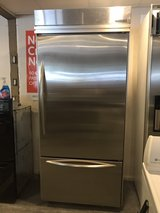 Kitchen Aid Stainless steel in Cleveland, Texas