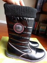 Beeko girls snow boots size 3M in Bolingbrook, Illinois