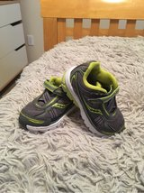 Stride Rite Toddler Shoes - size 5.5 in Travis AFB, California