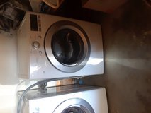 LG washer and dryer in Yucca Valley, California