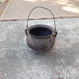 """Small """"witches"""" cook pot in Beaufort, South Carolina"""
