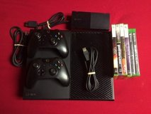 Xbox one 500gb 2 controllers + 8 Games in Fort Campbell, Kentucky