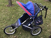 Schwinn jogging stroller in Joliet, Illinois