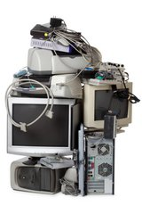 *WANTED* your old computers, electronics, game consoles, wires, etc. in 29 Palms, California