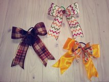 Thanksgiving bows in Yucca Valley, California