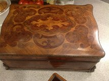 Vintage decorative Wooden chest in Glendale Heights, Illinois