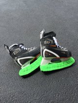 NEW POST!! Youth Hockey Equipment, Youth Large in Lockport, Illinois