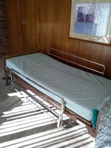 Hospital bed in Glendale Heights, Illinois