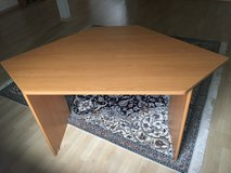 Corner DESK, with matching book shelf and cabinet. Great condition in Stuttgart, GE