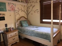 Girls 5 piece bedroom Furniture set in Aurora, Illinois
