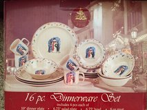 Enchanted Forest SNOWMAN 16 Pc. OR 32 Pc. WINTER/CHRISTMAS Dinnerware Set EUC in Tinley Park, Illinois