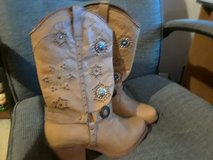 Dingo boots women's size 10M in Macon, Georgia