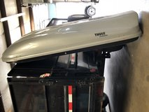 THULE MULTI LIFT CARGO BOX in Fort Bliss, Texas