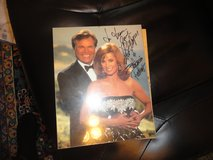 robert wagner and stephinie powers autographed photo in Fort Campbell, Kentucky