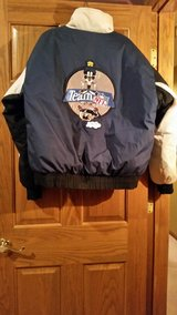 COWBOYS / LOONEY TUNES DOWN WINTER JACKET in Oswego, Illinois