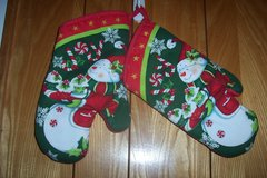 Christmas oven mitts in Conroe, Texas