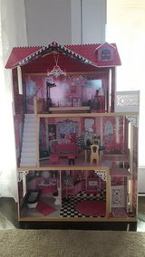 Kid Kraft Amelia Dollhouse w/furniture HUGE & MINT condition!! in Fort Campbell, Kentucky