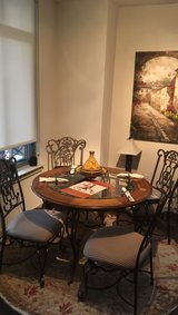 Kitchen table w/4 chairs in Fort Meade, Maryland