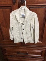 old navy toddler sweater size 3t in Joliet, Illinois