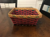 Reduced: Christmas Basket (no handles) in Chicago, Illinois