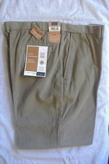 *New* HAGGAR Classic Fit Corduroys KHAKI 38x30 in 29 Palms, California