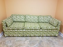 Custom made Thomasville Couch Great Condition, No rips or Stains, Pets Free. in Joliet, Illinois