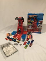 HOT WHEELS CAR MAKER NEW with EXRAS + Bonus COMPLETE in Naperville, Illinois