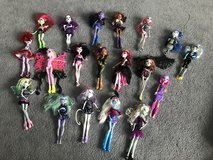 Monster high doll house, dolls and accessories in Oswego, Illinois