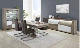 United Furniture - Kasimir Dining with SPECIAL Table with Center Leg including delivery in Spangdahlem, Germany