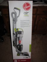 NEW HOOVER STEERABLE LIGHTWEIGHT CYCLONIC UPRIGHT BAGLESS HEPA VACUUM UH72400DI in Naperville, Illinois