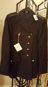 Army Service Uniform (ASU) Male Dress Coat - Enlisted 40L in Fort Benning, Georgia