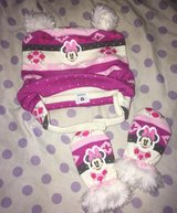 Minnie mouse fur pom ear hat and fur glove set in Fort Knox, Kentucky