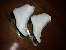Ice Skates for girl/woman in Schaumburg, Illinois