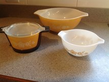 Vintage Pyrex bowls in Glendale Heights, Illinois