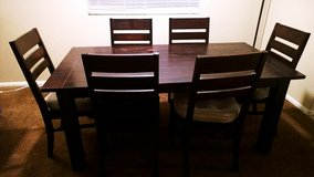 dining table set (1 table + 6 chairs) in Las Vegas, Nevada