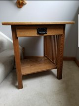 End Table / Side Table in Plainfield, Illinois