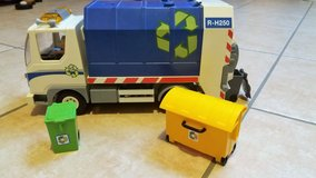 Playmobil recycling vehicle with flashing light, 3 garbage cans-LIKE NEW in Spangdahlem, Germany