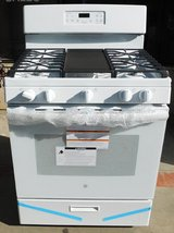 STOVE- GE (NEW) GAS WITH WARRANTY in Camp Pendleton, California