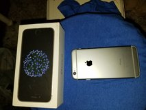 IPhone 6 only week old very nice in Fort Polk, Louisiana