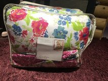 Jessica Simpson bed set in Yucca Valley, California