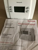 Honeywell programmable thermostat in Bolingbrook, Illinois